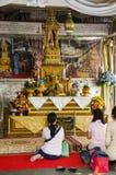 Pregare del tempio Immagine Stock