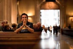 Pregare dell'uomo Fotografia Stock Libera da Diritti