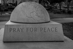 Preghi per pace fotografia stock libera da diritti