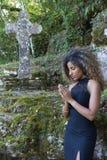 Preghiera della giovane donna Fotografie Stock