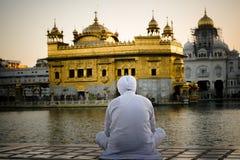 Preghiera dorata fotografie stock libere da diritti