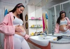 pregnanat妇女 免版税库存图片