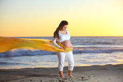 Pregnant woman at the Beach Royalty Free Stock Photography