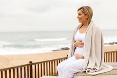 Pregnant woman beach Royalty Free Stock Photography