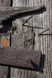 Pregos de madeira e oxidados Fotos de Stock Royalty Free