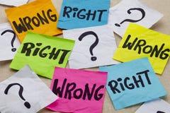Pregunta ética incorrecta o correcta Imágenes de archivo libres de regalías
