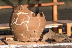 Prehistoryczny Ceramiczny naczynia przywrócenie Outside obrazy stock