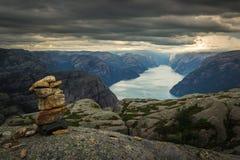 Preiekestolen - de Preekstoelrots, Noors Cliff Tourist Destination in Lysefjorden, Stavanger, Noorwegen Royalty-vrije Stock Fotografie