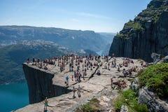 Preikestolen - rocha do púlpito Lysefjorden, Noruega Foto de Stock Royalty Free