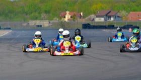 PREJMER,布拉索夫,罗马尼亚- 5月3 :竞争在全国Karting冠军登禄普的未知的飞行员2015年, 2015年5月3日在Prejmer 库存图片