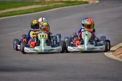 PREJMER, BRASOV, ROEMENIË - MEI 3: Onbekende loodsen die in Nationaal Karting-Kampioenschap Dunlop 2015 concurreren, Royalty-vrije Stock Foto