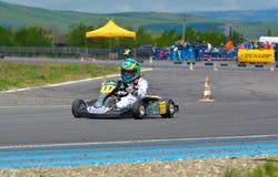 PREJMER, BRASOV, ROEMENIË - MEI 3: Onbekende loodsen die in Nationaal Karting-Kampioenschap Dunlop 2015, op 3 Mei, 2015 in Prejme Stock Foto