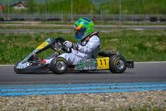 PREJMER, BRASOV, RUMÄNIEN - 3. MAI: Unbekannte Piloten, die in nationaler Karting-Meisterschaft Dunlop 2015, am 3. Mai 2015 konku Lizenzfreie Stockfotos