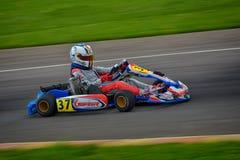 PREJMER, BRASOV RUMUNIA, MAJ, - 3: Nieznane pilotuje konkurowanie w obywatela Karting mistrzostwie Dunlop 2015, Obrazy Stock