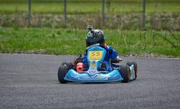 PREJMER, BRASOV RUMUNIA, MAJ, - 3: Nieznane pilotuje konkurowanie w obywatela Karting mistrzostwie Dunlop 2015 na Maju 3, 2015 w  Obraz Stock