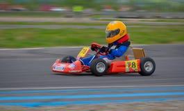 PREJMER, BRASOV RUMUNIA, MAJ, - 3: Nieznane pilotuje konkurowanie w obywatela Karting mistrzostwie Dunlop 2015 na Maju 3, 2015 w  Zdjęcia Stock