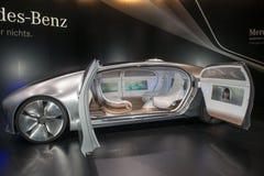 Premiär för värld för Mercedes-Benz F 015 begrepp bil- Arkivfoton