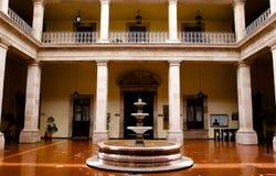 Première cour de palais municipal photos libres de droits
