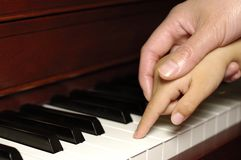 Première leçon de piano Image libre de droits