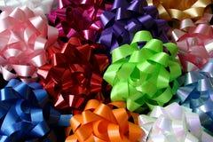Première vue de plusieurs proues multicolores Photographie stock libre de droits
