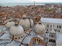 Première vue de toit de Venise. Images stock