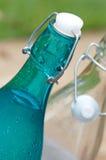 Premières bouteilles de capuchon d'oscillation Image libre de droits
