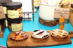 Premi il giro in FoodLoft per presentare il nuovo nemu del dessert Immagine Stock