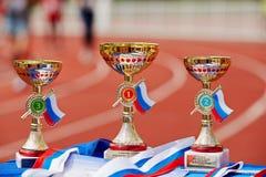 Premi per i vincitori XXI del supermarathon di Mosca fotografie stock