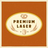 Premie Lager Abstract Vector Beer Sign, Symbool of Etiketmalplaatje Hand Getrokken Retro Biermok, Tarwe en Pretzel met stock illustratie