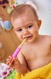 premier bébé de brosse à dents Images libres de droits