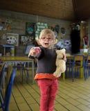 Premier jour de l'enfant en bas âge s dans le jardin d'enfants Image libre de droits