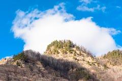 Premier ressort dans le paysage de montagnes Photographie stock