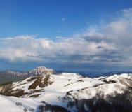 Premier ressort en montagne Photographie stock libre de droits