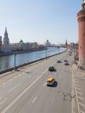 Premier ressort sur le remblai de Kremlin images stock