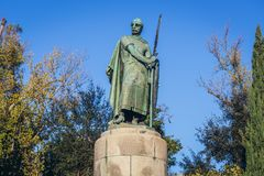 Premier roi de statue du Portugal à Guimaraes images stock
