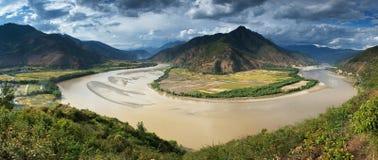 premier virage le Yang Tsé Kiang de fleuve de panorama Photo libre de droits