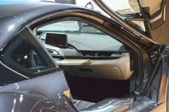 Premiera Moskwa samochodu salonu BMW i8 Międzynarodowa kabina Obrazy Stock