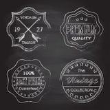 Premii ilość, najlepszy cena, rocznika projekta odznaki i etykietki ustawiający na blackboard teksturze z kredą, nacieraliśmy tło Zdjęcia Royalty Free
