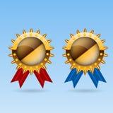 Premio en blanco de oro de la medalla con el illustr de la cinta roja y azul Imágenes de archivo libres de regalías