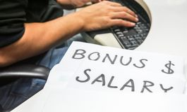 Premiowa i nowa pensja opierająca się na pracownika występie Obrazy Stock