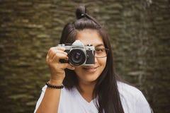 Prenda la vecchia foto della macchina fotografica Immagine Stock Libera da Diritti