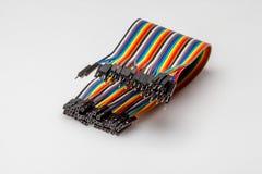 Prenda o fio colorido da cor do arco-íris para a criação de protótipos rápida eletrônica Foto de Stock
