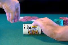 Prenda-os rei do ás do póquer com aposta Fotografia de Stock Royalty Free
