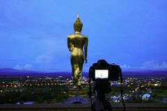 Prenda una foto di Buddha fotografia stock