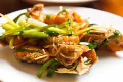 Prendedero de pescados frito con el jengibre. Fotos de archivo libres de regalías
