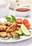 Prendedero y verduras asados del pollo Fotografía de archivo libre de regalías