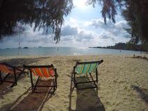 Prendendo il sole alla spiaggia Fotografia Stock Libera da Diritti