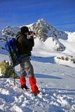 Prendendo le foto durante i viaggi di inverno Fotografie Stock Libere da Diritti