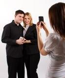 Prendre une photo d'un couple gentil image libre de droits