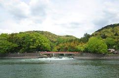 Prenez la photo dans l'uji de Kyoto photos stock